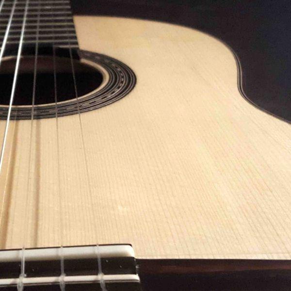 Nada tan sexy como el lomo de una guitarra