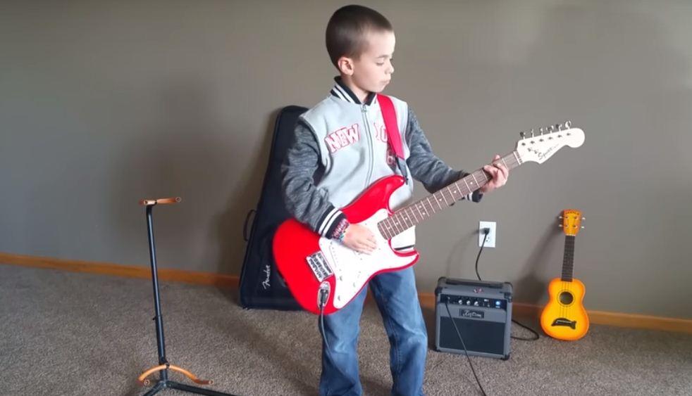 El estudio de la guitarra inculca trabajo, constancia y sentido del ritmo